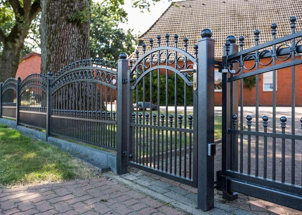 Ratgeber: Welcher Zaun fürs Einfamilienhaus?